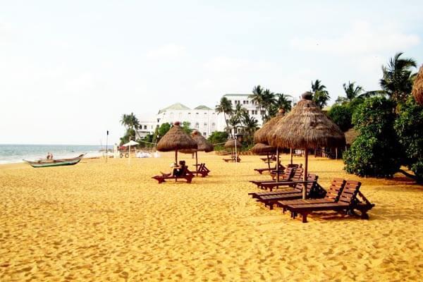 Mount-Lavinia-beach